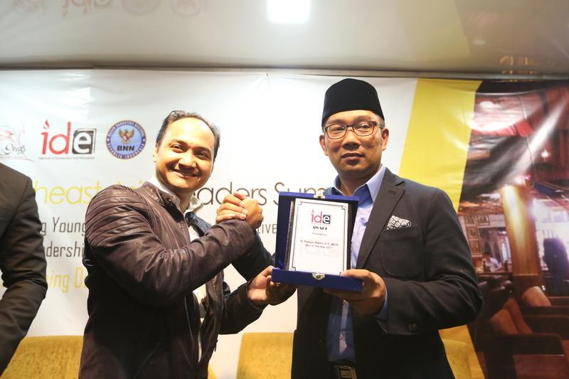 Ridwan Kamil Raih Penghargaan Man Of the Years